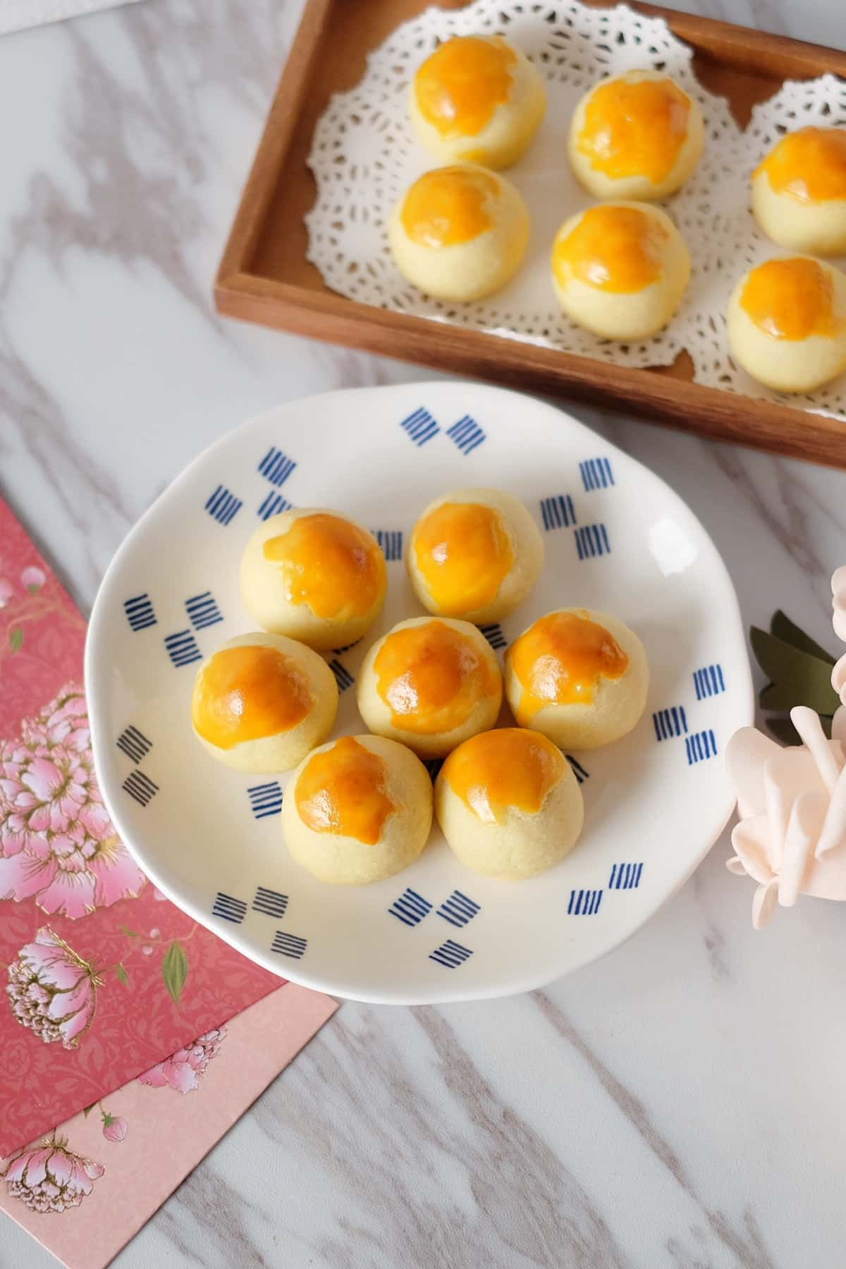 Melt-in-Mouth Pineapple Tarts on Plate
