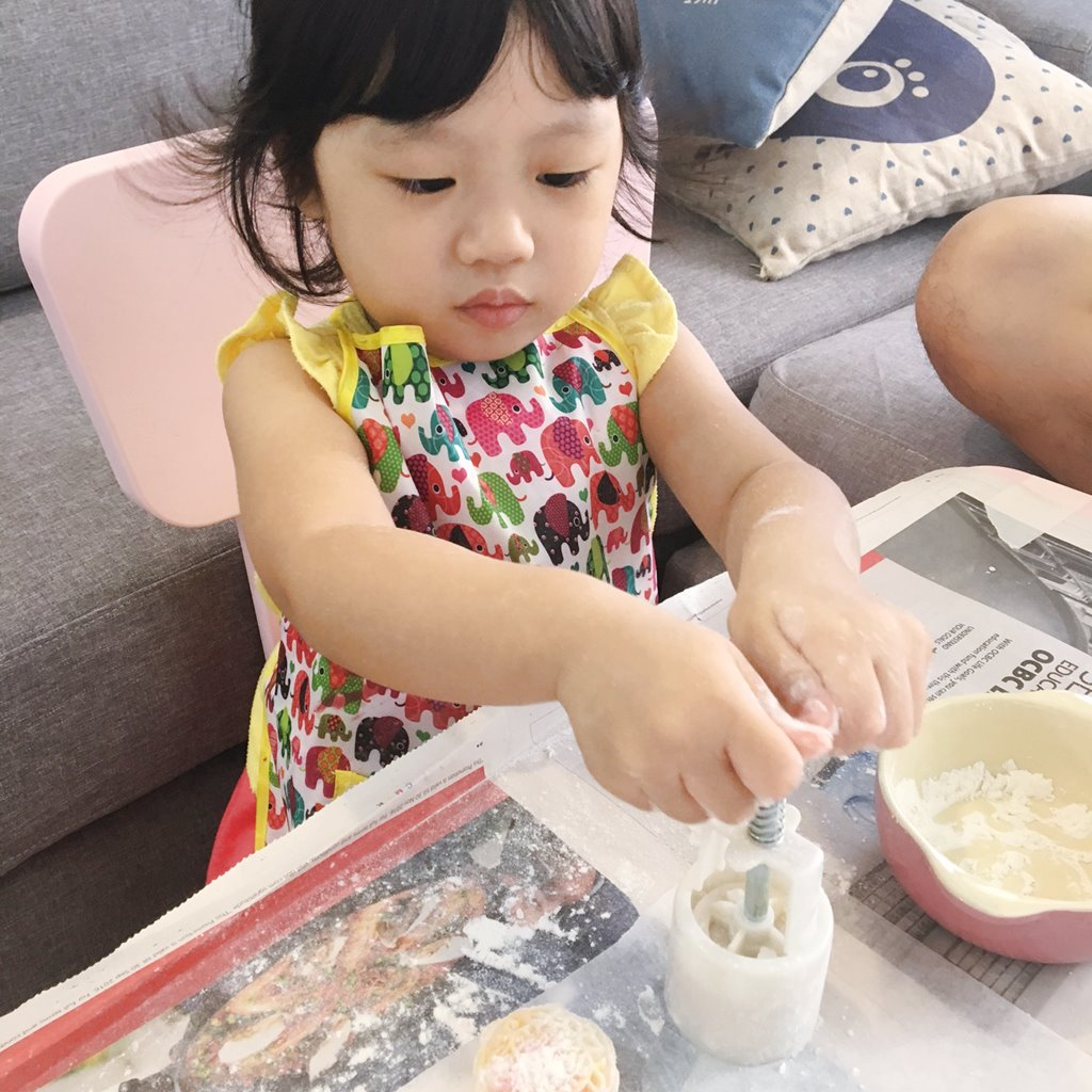 Toddler Mooncake Activity